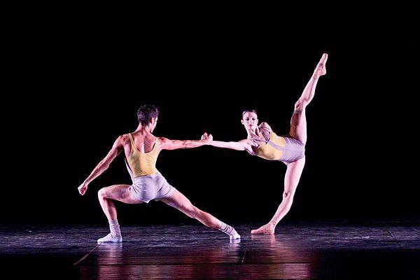Dance Academy – La migliore scuola di danza & ballo di Bari